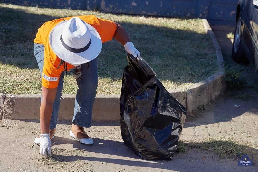 MG_2143-Nyaradzo-Clean-Up